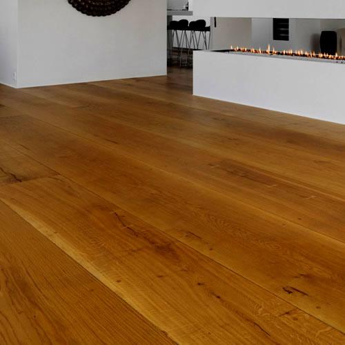 Produkte für lackierte Holzböden